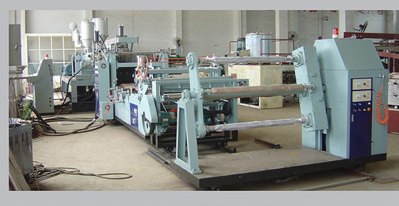 Cina Panel dekoratif PVC Sheet Machine / Twin Screw PVC Sheet Extrusion Machine Mesin Sheet Plastik pabrik